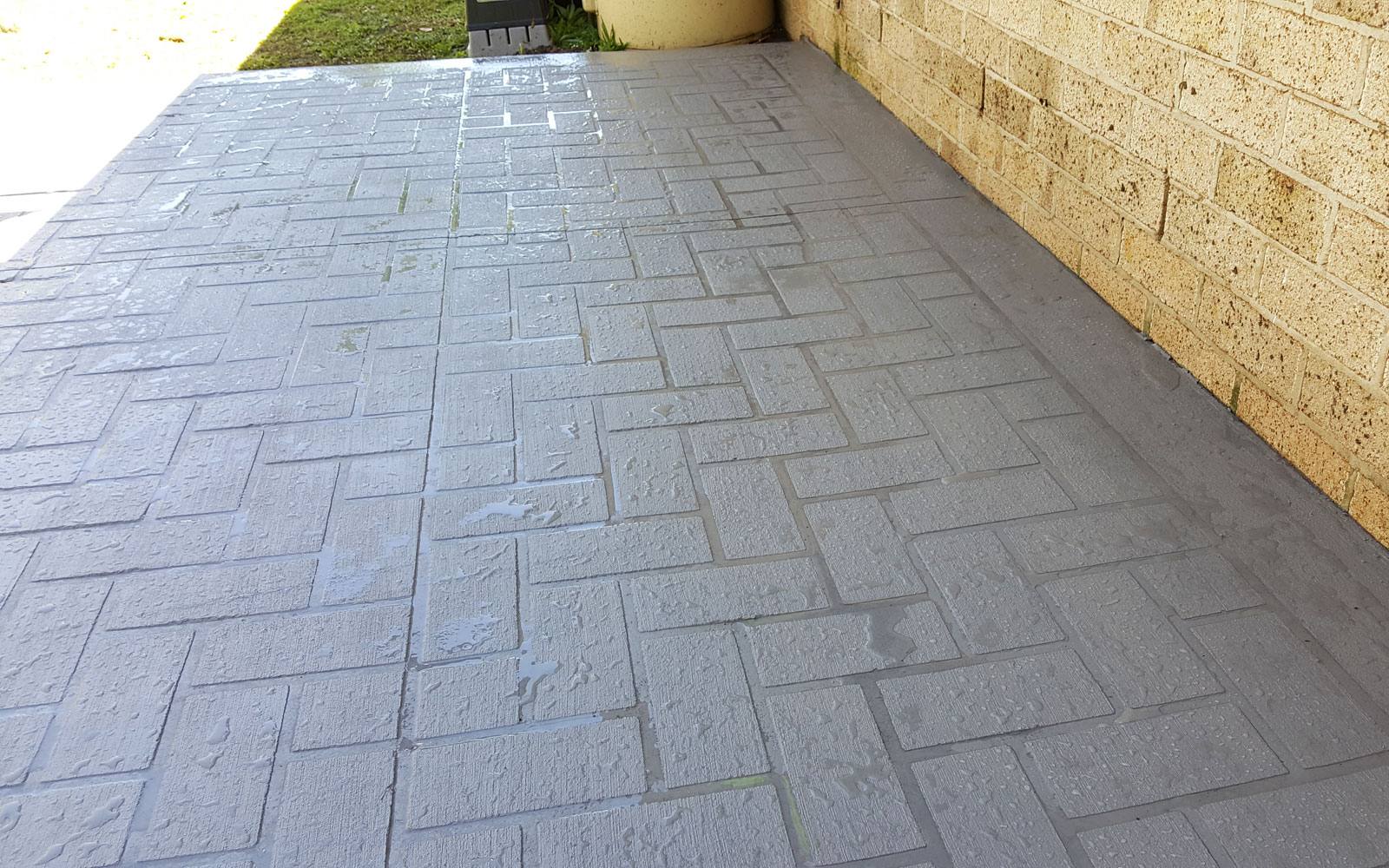 Brisbane Coloured concrete
